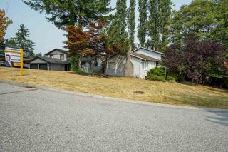 Photo 1: 7865 SUNCREST Drive in Surrey: East Newton House for sale : MLS®# R2194524