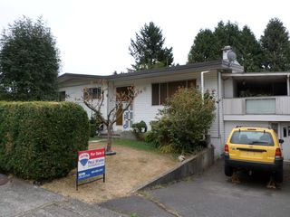 Photo 1: 34118 E Larch Street in Abbotsford: Central Abbotsford House for sale : MLS®# R2200999