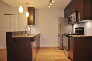 "Photo 4: 103 2343 ATKINS Avenue in Port Coquitlam: Central Pt Coquitlam Condo for sale in ""THE PEARL"" : MLS®# R2203416"