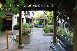 "Photo 18: 103 2343 ATKINS Avenue in Port Coquitlam: Central Pt Coquitlam Condo for sale in ""THE PEARL"" : MLS®# R2203416"