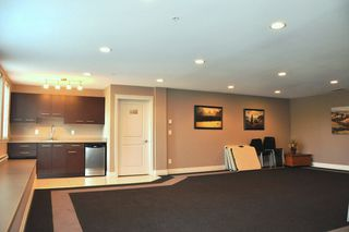 "Photo 16: 103 2343 ATKINS Avenue in Port Coquitlam: Central Pt Coquitlam Condo for sale in ""THE PEARL"" : MLS®# R2203416"