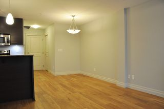 "Photo 8: 103 2343 ATKINS Avenue in Port Coquitlam: Central Pt Coquitlam Condo for sale in ""THE PEARL"" : MLS®# R2203416"