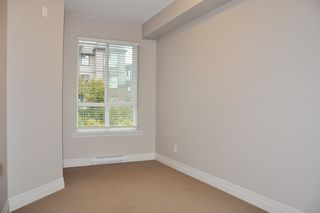 "Photo 10: 103 2343 ATKINS Avenue in Port Coquitlam: Central Pt Coquitlam Condo for sale in ""THE PEARL"" : MLS®# R2203416"