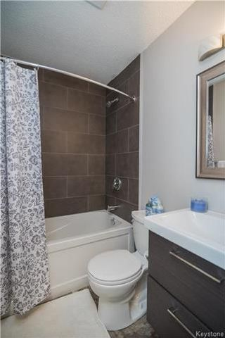 Photo 11: 777 Dale Boulevard in Winnipeg: Westdale Residential for sale (1H)  : MLS®# 1725481