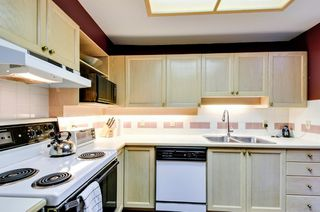 Photo 9: 504 6737 STATION HILL COURT in Burnaby: South Slope Condo for sale (Burnaby South)  : MLS®# R2210952