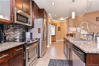 Photo 6: 301 2732 Matson Road in VICTORIA: La Langford Proper Townhouse for sale (Langford)  : MLS®# 387008