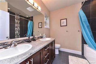 Photo 14: 301 2732 Matson Road in VICTORIA: La Langford Proper Townhouse for sale (Langford)  : MLS®# 387008