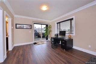 Photo 10: 301 2732 Matson Road in VICTORIA: La Langford Proper Townhouse for sale (Langford)  : MLS®# 387008