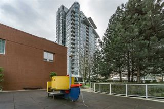 """Photo 19: 1802 1077 MARINASIDE Crescent in Vancouver: Yaletown Condo for sale in """"MARINASIDE RESORT"""" (Vancouver West)  : MLS®# R2238835"""