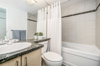 """Photo 13: 1802 1077 MARINASIDE Crescent in Vancouver: Yaletown Condo for sale in """"MARINASIDE RESORT"""" (Vancouver West)  : MLS®# R2238835"""