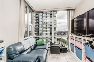 """Photo 15: 1802 1077 MARINASIDE Crescent in Vancouver: Yaletown Condo for sale in """"MARINASIDE RESORT"""" (Vancouver West)  : MLS®# R2238835"""
