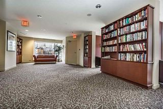 """Photo 18: 1802 1077 MARINASIDE Crescent in Vancouver: Yaletown Condo for sale in """"MARINASIDE RESORT"""" (Vancouver West)  : MLS®# R2238835"""