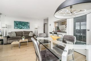 """Photo 7: 1802 1077 MARINASIDE Crescent in Vancouver: Yaletown Condo for sale in """"MARINASIDE RESORT"""" (Vancouver West)  : MLS®# R2238835"""