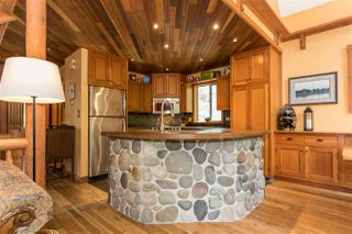 Photo 5: 1038 TOBERMORY Way in Squamish: Garibaldi Highlands House for sale : MLS®# R2244076