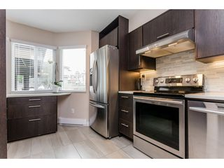 "Photo 3: 6 7551 140 Street in Surrey: East Newton Townhouse for sale in ""Glenview Estates"" : MLS®# R2244371"