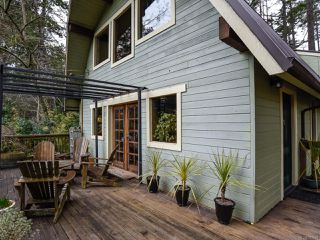 Photo 3: 565 Andrew Ave in COMOX: CV Comox Peninsula House for sale (Comox Valley)  : MLS®# 781831