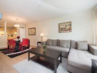 "Photo 4: 303 9668 148 Street in Surrey: Guildford Condo for sale in ""HARTFORD WOODS"" (North Surrey)  : MLS®# R2261851"