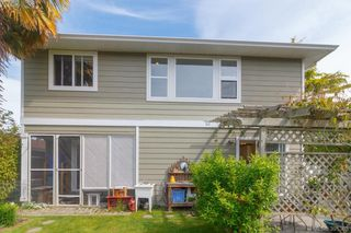 Photo 16: 1047 Dunsmuir Rd in VICTORIA: Es Old Esquimalt House for sale (Esquimalt)  : MLS®# 786624