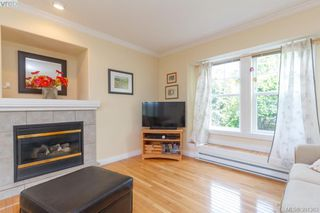 Photo 3: 1047 Dunsmuir Rd in VICTORIA: Es Old Esquimalt House for sale (Esquimalt)  : MLS®# 786624