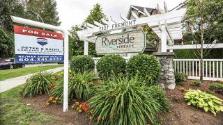 "Main Photo: 44 2927 FREMONT Street in Port Coquitlam: Riverwood Townhouse for sale in ""RIVERSIDE TERRACE"" : MLS®# R2283075"