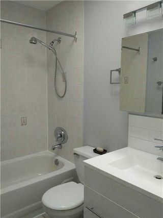 Photo 7: 1 388 Manning Avenue in Toronto: Palmerston-Little Italy House (Apartment) for lease (Toronto C01)  : MLS®# C4202261