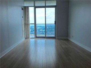 Photo 6: 2201 90 Absolute Avenue in Mississauga: City Centre Condo for lease : MLS®# W4223288