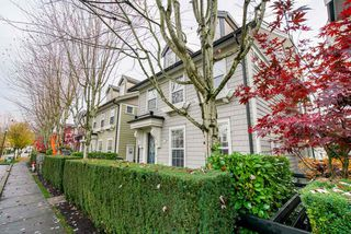 """Main Photo: 3 19490 FRASER Way in Pitt Meadows: South Meadows Townhouse for sale in """"KINGFISHER"""" : MLS®# R2318778"""