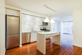 "Photo 4: 906 328 E 11TH Avenue in Vancouver: Mount Pleasant VE Condo for sale in ""UNO"" (Vancouver East)  : MLS®# R2329083"