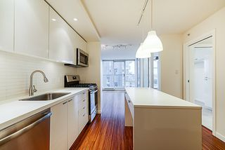"Photo 5: 906 328 E 11TH Avenue in Vancouver: Mount Pleasant VE Condo for sale in ""UNO"" (Vancouver East)  : MLS®# R2329083"