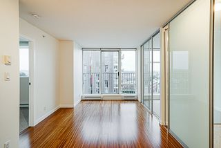 "Photo 9: 906 328 E 11TH Avenue in Vancouver: Mount Pleasant VE Condo for sale in ""UNO"" (Vancouver East)  : MLS®# R2329083"