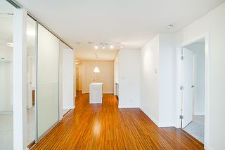 "Photo 11: 906 328 E 11TH Avenue in Vancouver: Mount Pleasant VE Condo for sale in ""UNO"" (Vancouver East)  : MLS®# R2329083"
