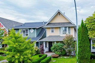 "Photo 2: 143 DOCKSIDE Court in New Westminster: Queensborough House for sale in ""THOMPSON LANDING"" : MLS®# R2330315"