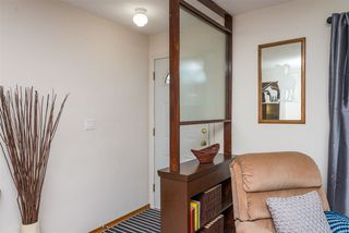 Photo 3: 8805 162 Street in Edmonton: Zone 22 House for sale : MLS®# E4139570
