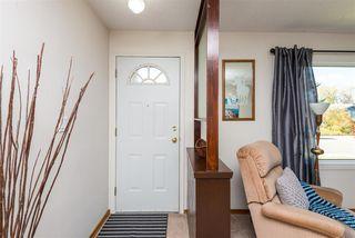 Photo 2: 8805 162 Street in Edmonton: Zone 22 House for sale : MLS®# E4139570