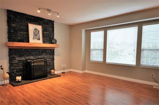 Photo 2: 33540 BALSAM Avenue in Mission: Mission BC House for sale : MLS®# R2333761