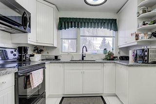 Photo 4: 6616 LAW Drive SW in Calgary: Lakeview Detached for sale : MLS®# C4223804