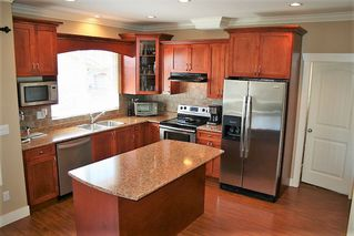 "Photo 12: 32708 TUNBRIDGE Avenue in Mission: Mission BC House for sale in ""Tunbridge Station"" : MLS®# R2335522"
