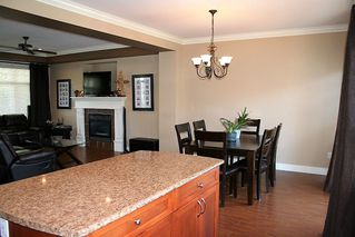 "Photo 14: 32708 TUNBRIDGE Avenue in Mission: Mission BC House for sale in ""Tunbridge Station"" : MLS®# R2335522"