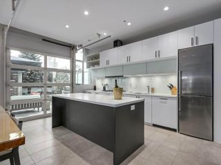 Photo 2: 601 546 BEATTY Street in Vancouver: Downtown VW Condo for sale (Vancouver West)  : MLS®# R2336595