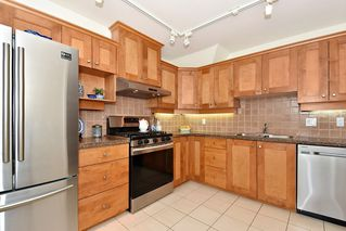 "Photo 8: 306 3088 W 41ST Avenue in Vancouver: Kerrisdale Condo for sale in ""THE LANESBOROUGH"" (Vancouver West)  : MLS®# R2339683"