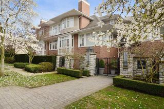 "Photo 1: 306 3088 W 41ST Avenue in Vancouver: Kerrisdale Condo for sale in ""THE LANESBOROUGH"" (Vancouver West)  : MLS®# R2339683"