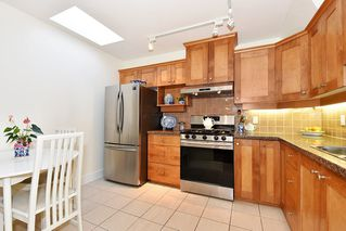 "Photo 9: 306 3088 W 41ST Avenue in Vancouver: Kerrisdale Condo for sale in ""THE LANESBOROUGH"" (Vancouver West)  : MLS®# R2339683"