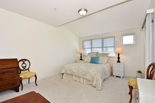 """Photo 11: 306 3088 W 41ST Avenue in Vancouver: Kerrisdale Condo for sale in """"THE LANESBOROUGH"""" (Vancouver West)  : MLS®# R2339683"""