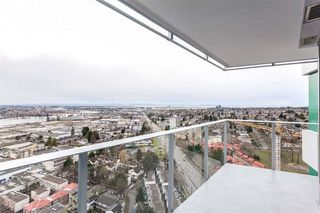 "Photo 7: 2703 488 SW MARINE Drive in Vancouver: Marpole Condo for sale in ""MARINE GATEWAY"" (Vancouver West)  : MLS®# R2345365"