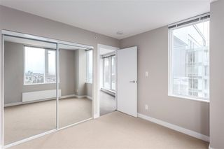 "Photo 4: 2703 488 SW MARINE Drive in Vancouver: Marpole Condo for sale in ""MARINE GATEWAY"" (Vancouver West)  : MLS®# R2345365"