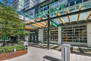 "Photo 10: 2703 488 SW MARINE Drive in Vancouver: Marpole Condo for sale in ""MARINE GATEWAY"" (Vancouver West)  : MLS®# R2345365"