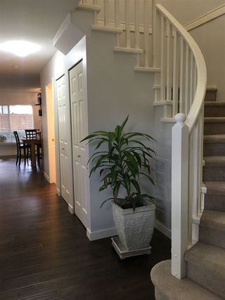 """Photo 3: 403 16233 82 Avenue in Surrey: Fleetwood Tynehead Townhouse for sale in """"The Orchards"""" : MLS®# R2351845"""