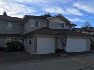 """Photo 2: 403 16233 82 Avenue in Surrey: Fleetwood Tynehead Townhouse for sale in """"The Orchards"""" : MLS®# R2351845"""