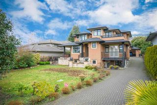 Main Photo: 2267 INGLEWOOD Avenue in West Vancouver: Dundarave House for sale : MLS®# R2358656
