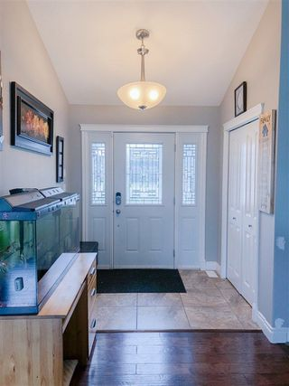 Photo 2: 5 Aspen Court: Cold Lake House for sale : MLS®# E4158404